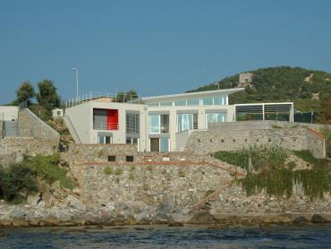 Casa sul mare ad Antignano - Oficina94